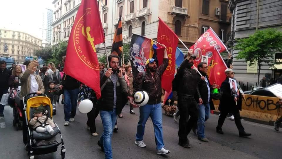 L'immagine può contenere: 3 persone, tra cui Antonio Cipolletta, persone in piedi e spazio all'aperto